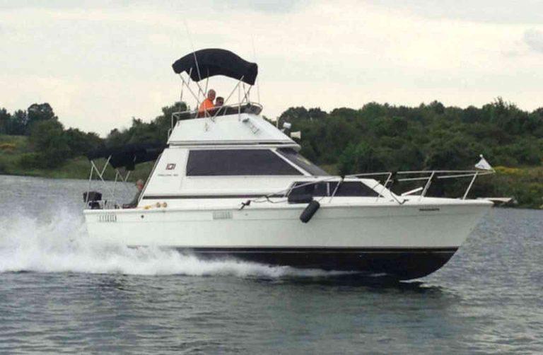 bateau-trojan-f30-04.jpg