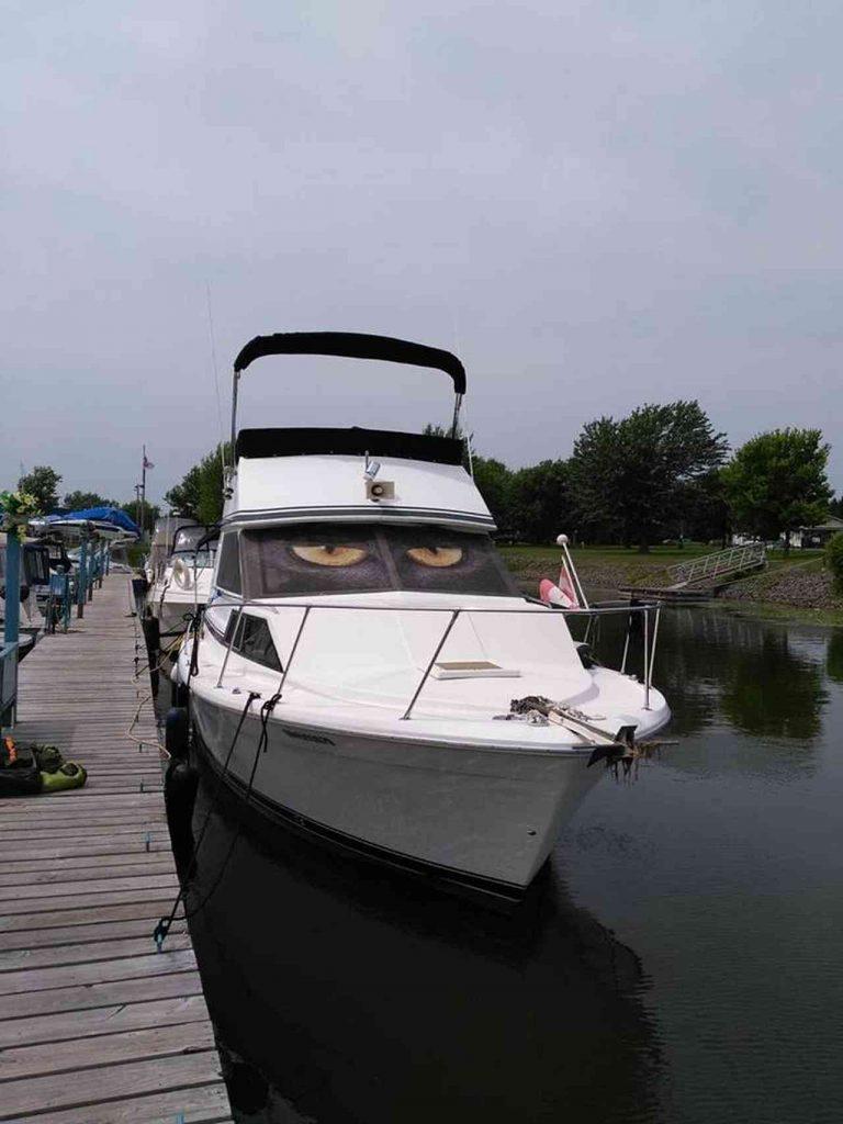 bateau-trojan-f30-05.jpg