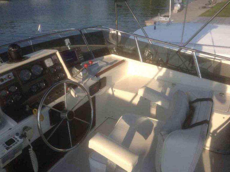 bateau-trojan-f30-07.jpg